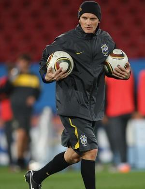 Taffarel trabalhou como olehiro de Dunga na Copa de 2010 (Foto Getty Images)