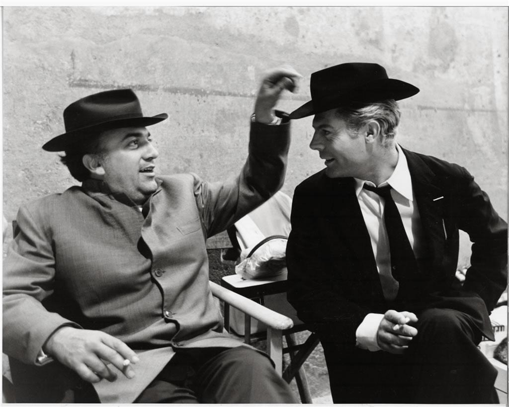 Fellini e Marcello Mastroianni em 8 e meio de 1963. Foto Secchiaroli